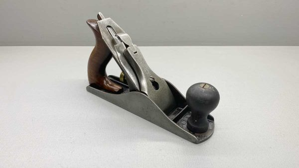 Stanley Bailey No 3 Bench Plane Stanley Conn V Logo Cutter Great tote and Knob Good Condition