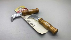 "Hyde USA Flooring & Drywall Knife New Old Stock 7 1/2"" Long with a 2 1/2"" Blade"