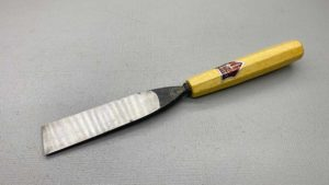 35 mm No4 Gouge Chisel With Good Handle