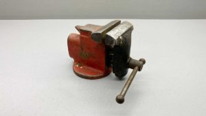 """Millers Falls Miniature Anvil Vice With 2 1/2"""" Jaws"""